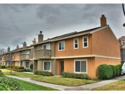 Beautiful 3 bedroom 2.5 bath end unit townhouse for rent in Evergreen